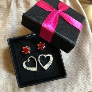 ♥️NIB♥️Avon Ruby Studs&Heart Studs Set♥️
